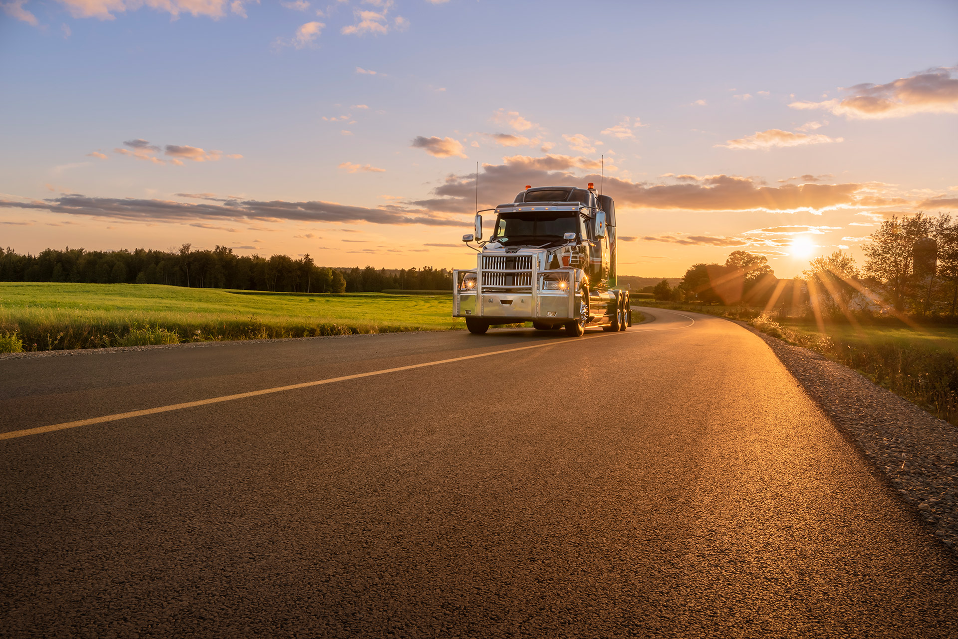 Truck photography at sunset. Picture of a Western Star Truck